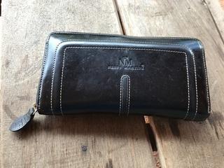 ファスナー式の財布